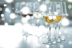 distinctly kelowna tours ice wine tour